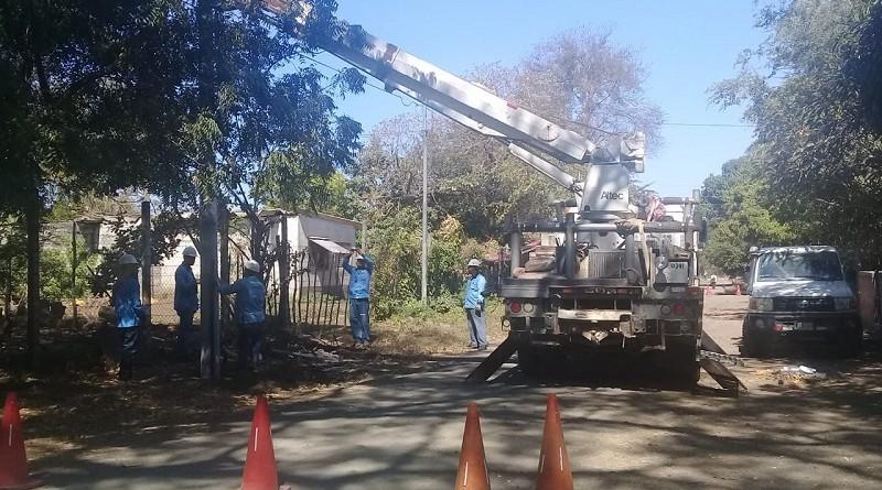 Instalación de energía eléctrica en 246 viviendas en el barrio Raúl Salgado en Larreynaga