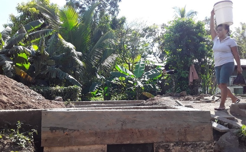 Mejoramiento de puente vehicular en el barrio Roldan Paz de  Villa  Sandino.