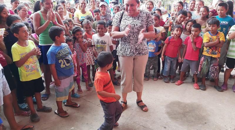 Una tarde de recreación infantil en El Rama