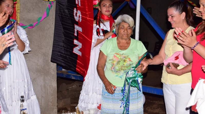 Familias de la comunidad Ojo de Agua #2 recibieron el ansiado proyecto de agua potable que les proveerá el vital líquido sin tener que desplazarse a Nagarote desde donde se abastecían pagando además transporte para ir y venir.