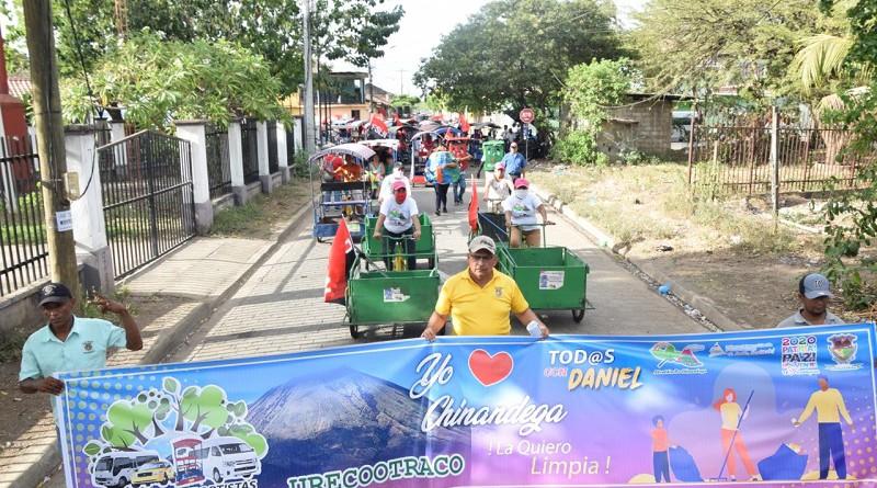 Alcaldía y club de transportistas de Chinandega en caravana de sensibilización alrededor del aseo y limpieza