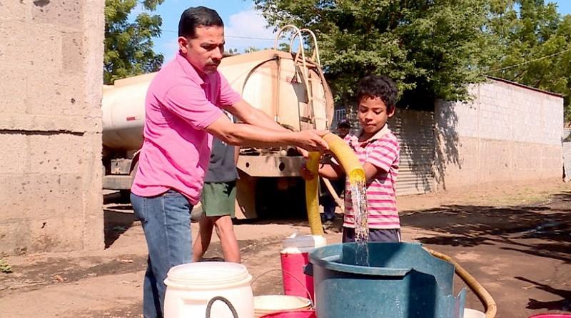 En este período de verano, las alcaldías y Enacal han asegurado agua a 168 mil 494 familias en dos mil 70 barrios los cuales han sido abastecidos a través de  cisternas.