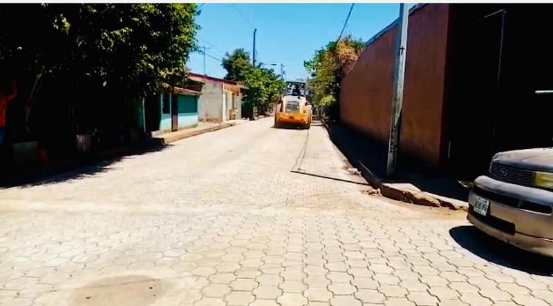 Calle construida en Chinandega en  el reparto Julio César Tinoco