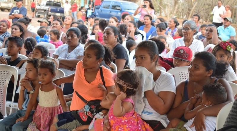 Las familias de La Laguna muy contentas por la conclusión de obras en el puente el cual rehabilitaron junto con la comuna granadina