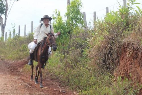 Camino hacia la comunidad  Torsuany. para paso de vehículos y  tracción animal