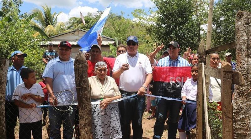Alegría prevaleció en la comunidad Mongallo en Siuna con la instalación de la energía eléctrica a 17 familias