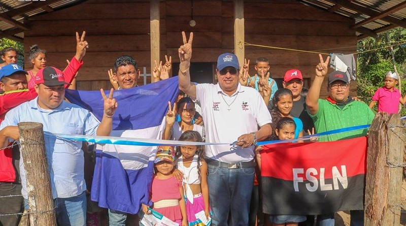 Treinta familias del barrio Hugo Chávez de la comunidad de Coperna inauguran la energía eléctrica domiciliar