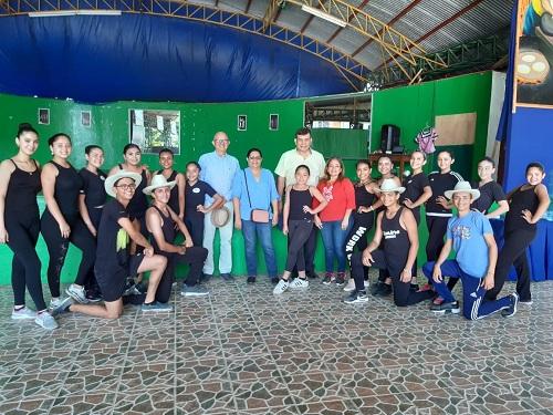 Con alumnos de escuela de danza