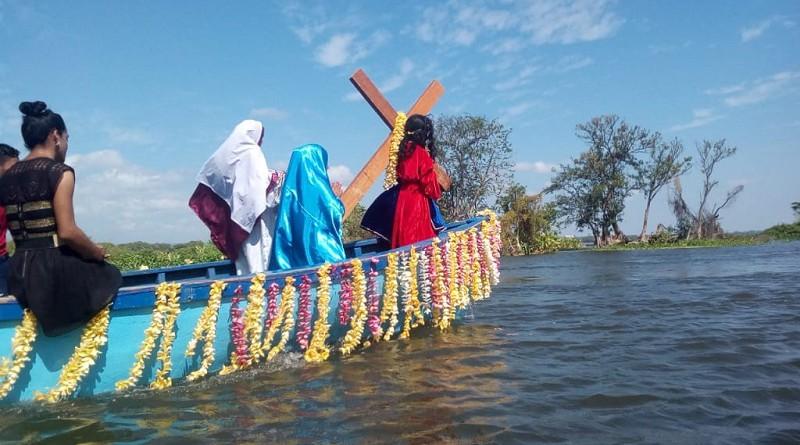 Judea acuática recorre el Cocibolca y dramatiza en bastión de defensa colonial, la vida, pasión y muerte de Jesús