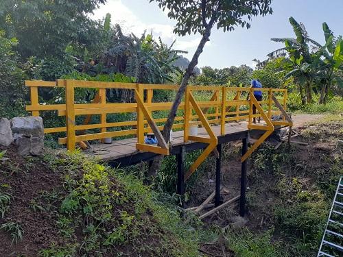 Puente peatonal  Memorial Sandino en El  Rama recién construido