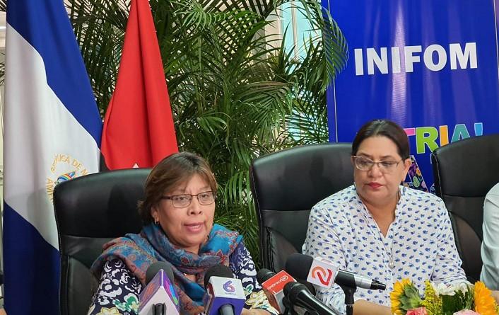 Ministra de salud Martha Reyes y Presidenta ejecutiva de Inifom, Guiomar Irías