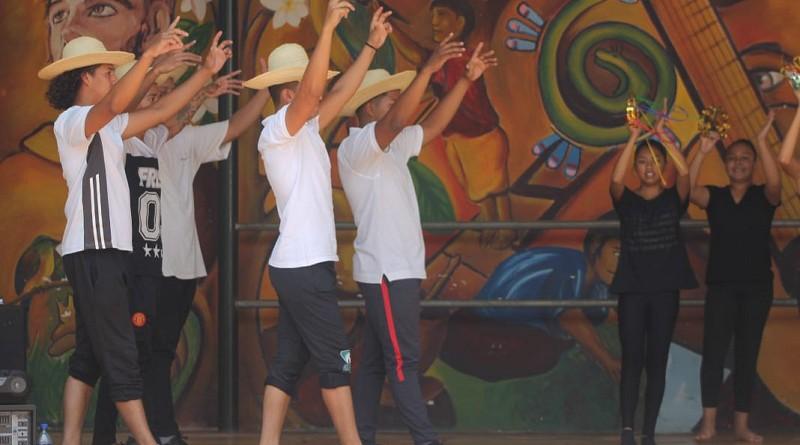 Una demostración en clases de danza
