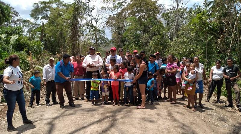 Inauguración del camino México- Chacalín Cruz Verde en San Carlos