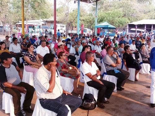 Sesión especial del concejo municipal de  la alcaldía de Chinandega con comerciantes y productores