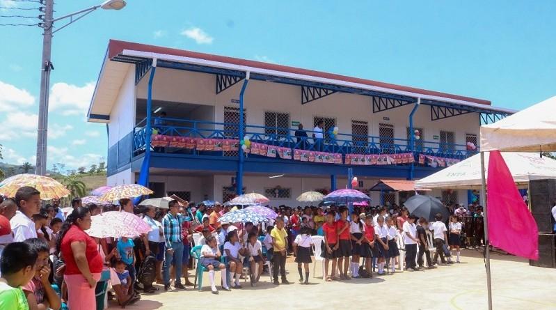 Inauguración de edificio escolar Alexis Arguello