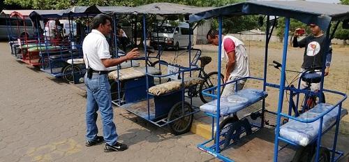 Corinto: Con acompañamiento de miembros de transporte de la alcaldía municipal, desinfección de triciclos.