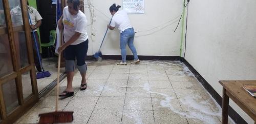 Higienizando las instalaciones de alcaldía de San Marcos