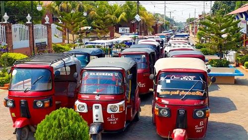 Unidades de transportistas urbanos de El Sauce listas para la desinfección
