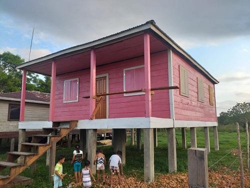 Centro de salud de la comunidad La Esperanza en Desembocadura recién inaugurado