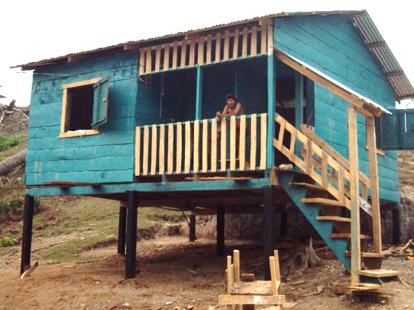 Trece viviendas  construídas en la comunidad Alal, Bonanza;