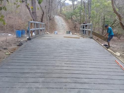 Puente vehicular en Santo Tomás del Norte