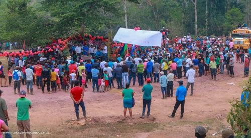En la inauguración del camino a Waswalita