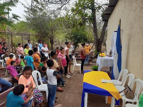 Sesión especial del concejo municipal en la comunidad san Luis de Puerto Morazán