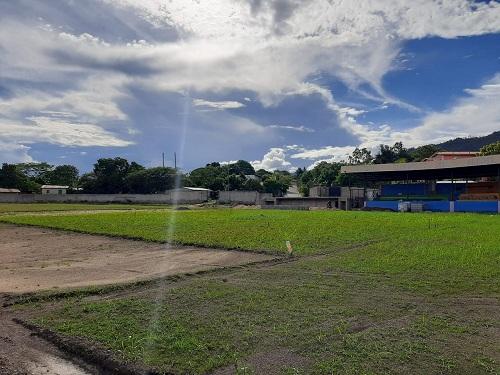 San Fernando: Mejoras en el estadio municipal en el barrio El Campo.