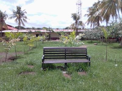 Parque parroquial en Achuapa mejorado