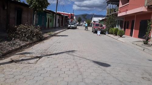El barrio Aristeo Benavides cuenta con cinco calles nuevas adoquinadas y con cunetas