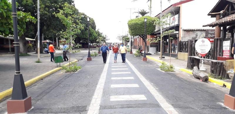 Gobiernos locales supervisando e inaugurando obras