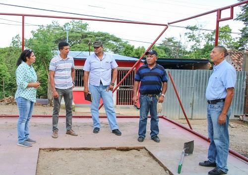 El Sauce: Supervisando mejoras en cancha donde asisten protagonistas de los barrios Subtiava y Cerro de Hule