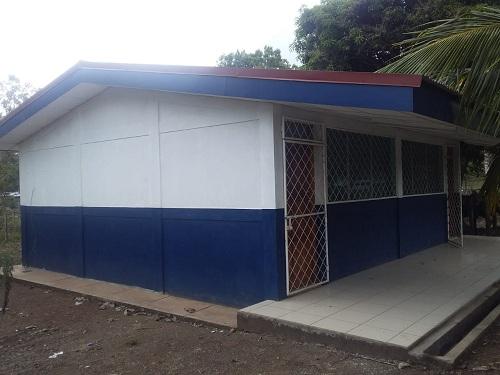 En el Rama, la alcaldía dio mantenimiento al centro escolar Santa Ester en lacomunidad Nuevo Sauce.