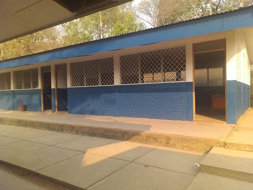 Centro escolar Hermanos Fresnos en la comunidad El Pericón