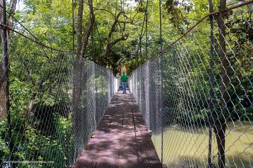 puente colgante mejorado en el barrio Miguel Alvarado en Siuna