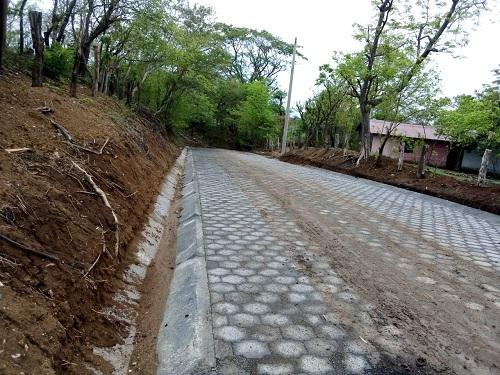 En villa El carmen un kilómetro de camino restaurado