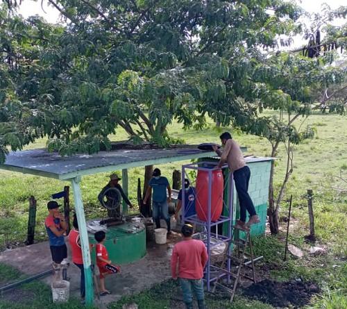 Instalación de lavamanos en una comunidad de Morrito