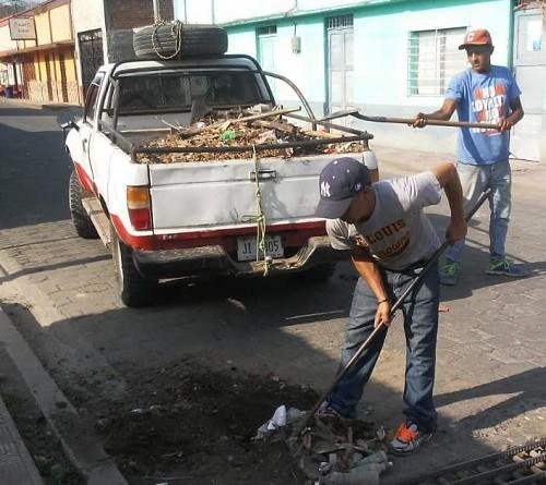 En san Rafael del Norte limpieza de cunetas