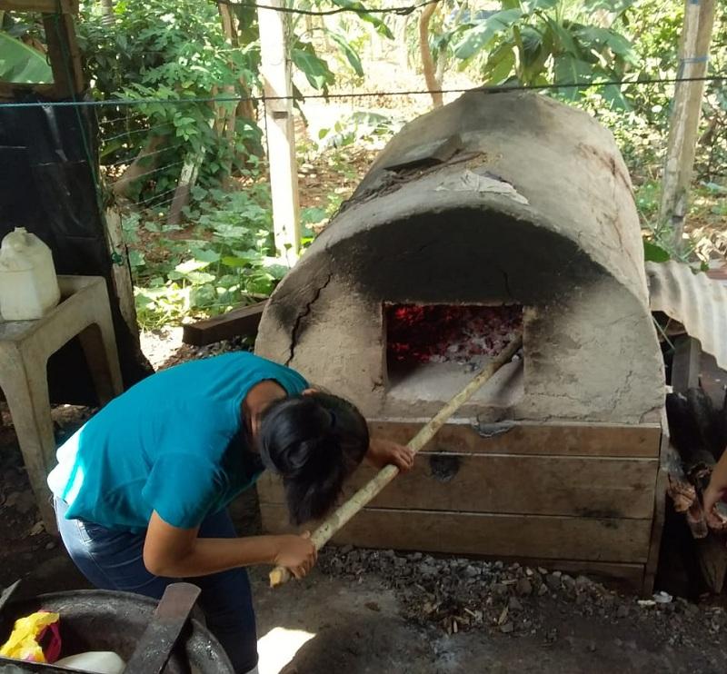 En prácticas de pastelería en El castillo
