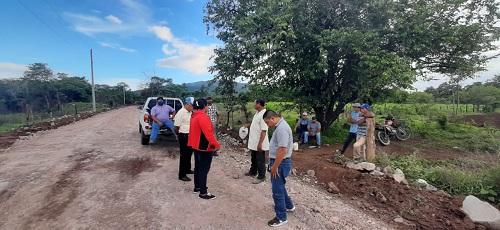 Télica: Reparación camino comarca Unión España; conecta comunidades San Pedro, Nuevo Amanecer, Cortezal, y Las Quemadas