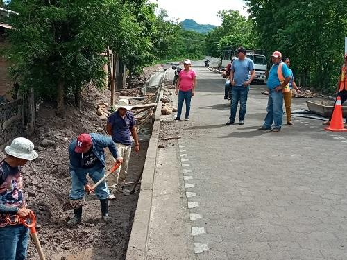 Achuapa: Adoquinado de tramo de carretera Achuapa-San Juan