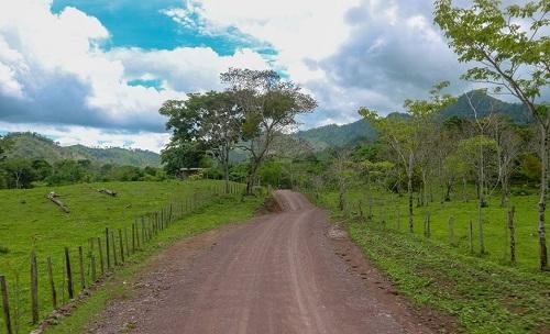 Siuna: Mantenimiento y ampliación de 10.7 de carretera en la comunidad El Máncer.
