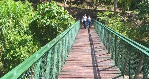 Puente peatonal de San Juan del Río Coco