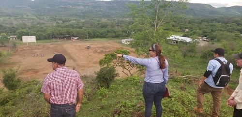 En terrenos de lotificación en El Jicaral