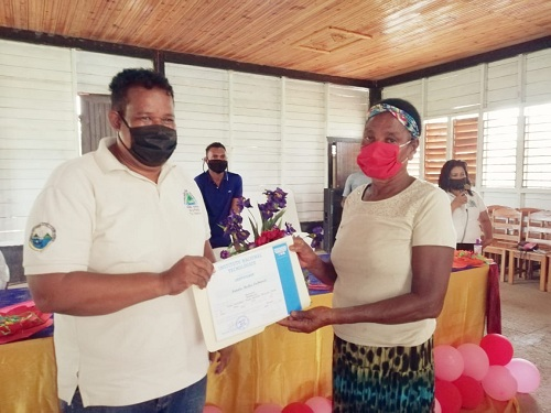 Waspam: La escuela de oficios entregó certificados a 101 protagonistas del municipio que participaron en los cursos de emprendimientos.