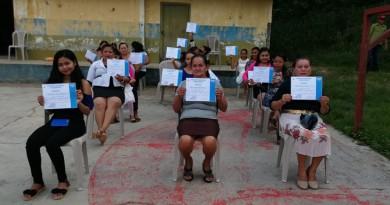 El Jicaral: Entrega de diplomas a protagonistas de la comunidad El Carizal egresadas del curso de pastelería
