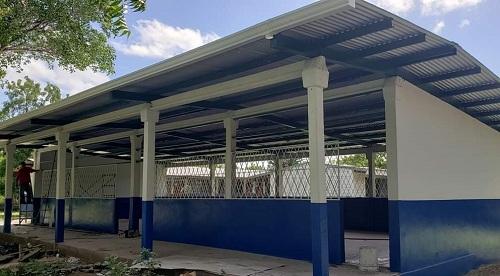 Escuela en la comunidad La Cruz en  Teustepe.