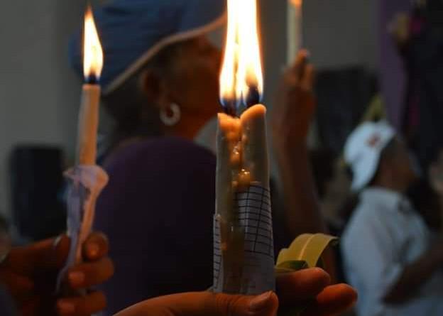 Las candelas encendidas un acto de fe y de amor al Señor de Esquipulas
