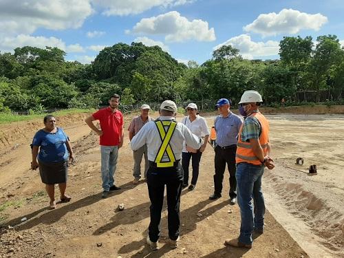 La presidenta del Inifom  visita las obras del proyecto de agua potable