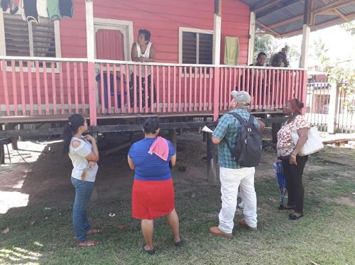 Brigadistas visitan a familias en la Costa Caribe